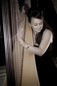 Solo Harpist Image 3