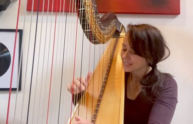 @realbillwithers this is my all time favourite Bill Withers track. Use me. No loops... just good old multi tasking 😂#billwithers #useme #groove #music #soul #soulmusic #riff #harp #harpist #cover #dorothyashby